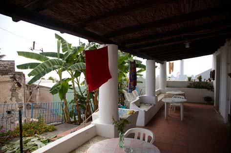 bb-casa-frank-stromboli-bed-and-breakfast-stromboli_LEV0650