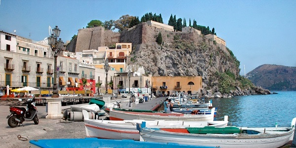 Tour Isole Eolie bbpiazzaroma.it